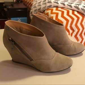 CL Chinese Laundry Booties